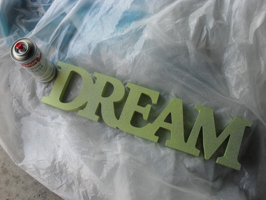 glitter dream sign