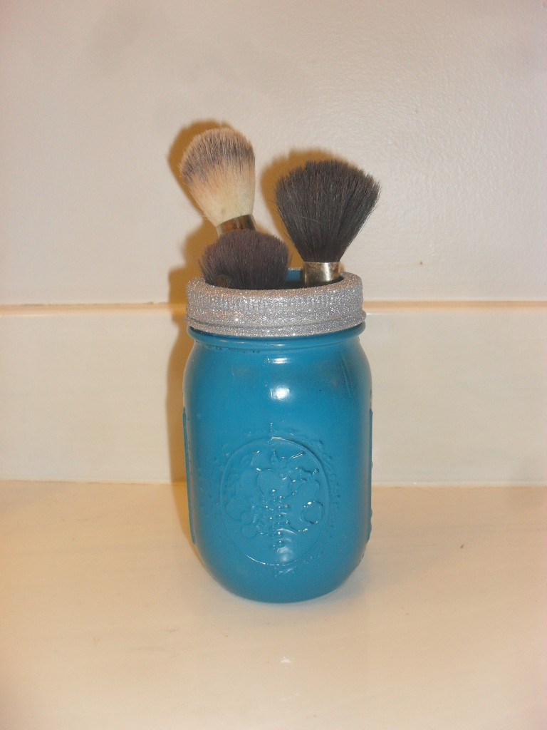 put makeup brushes in a mason jar