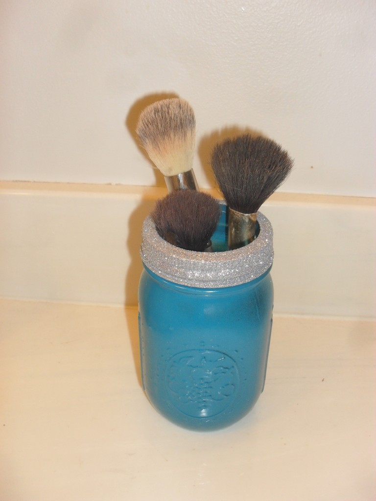 makeup brushes in mason jar