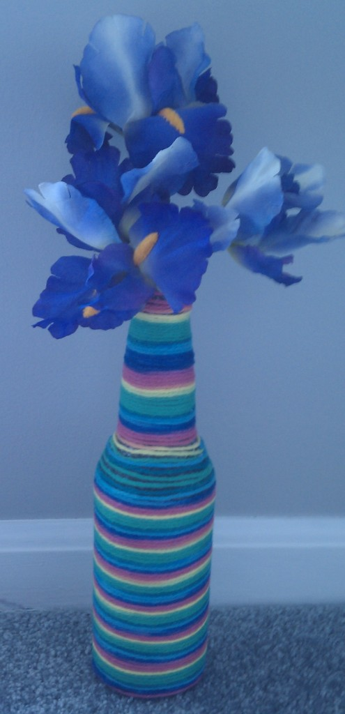 do it yourself easy vase yarn project