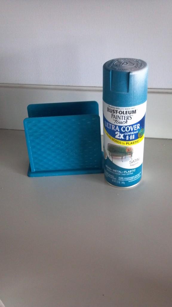 Napkin holder spray paint craft