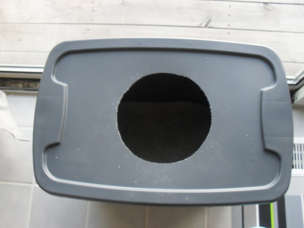 making your own cat litter box