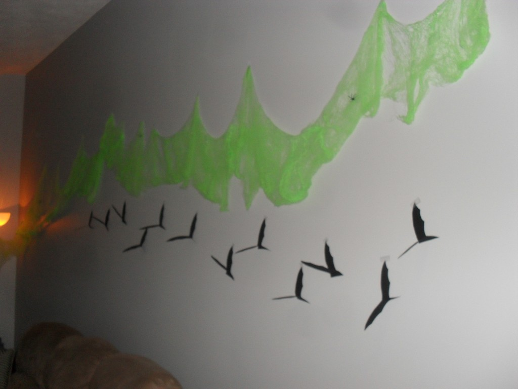 halloween bat decorations to make