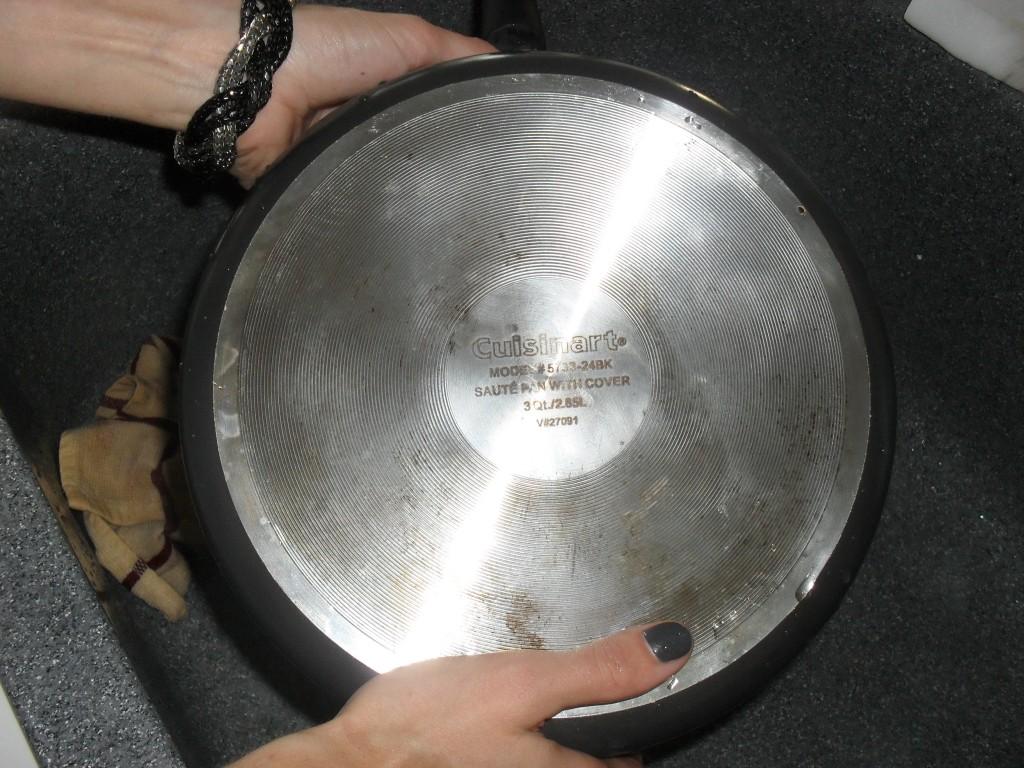 clean pan with a magic eraser