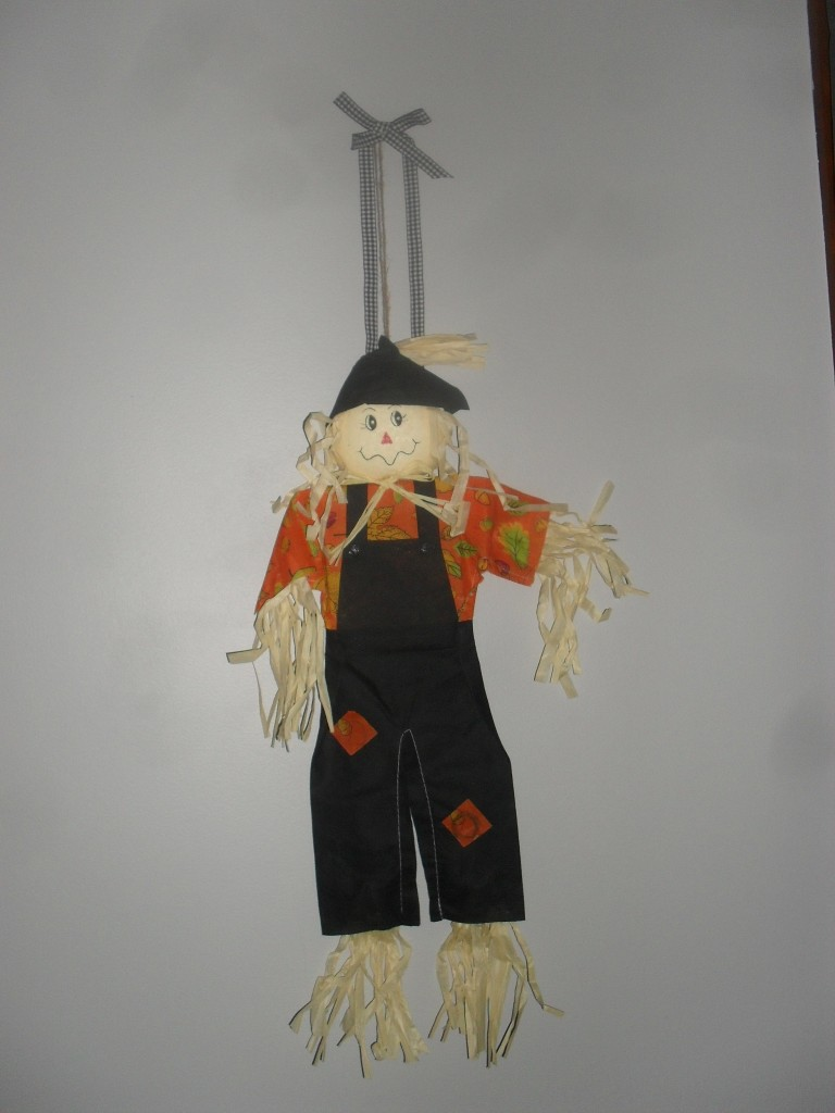 dollar tree scarecrow