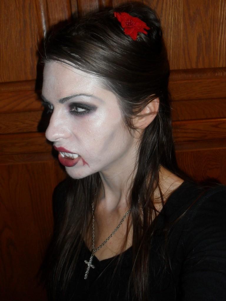 vampire makeup for halloween