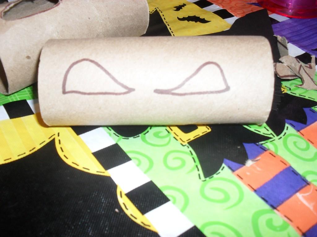 toilet paper halloween rolls