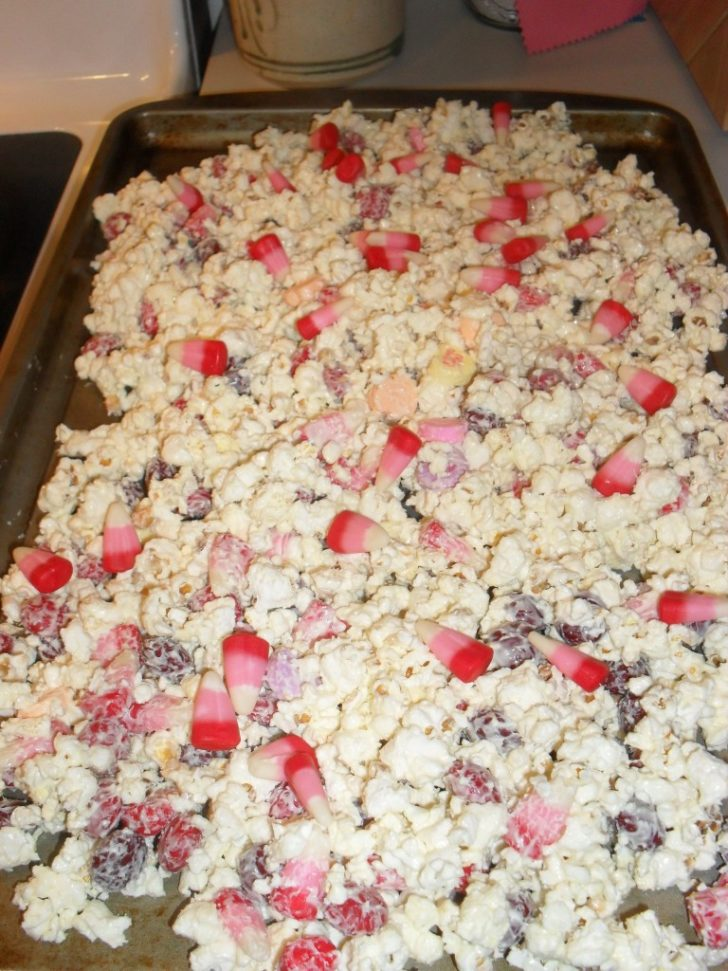 white chocolate morsel cherry popcorn
