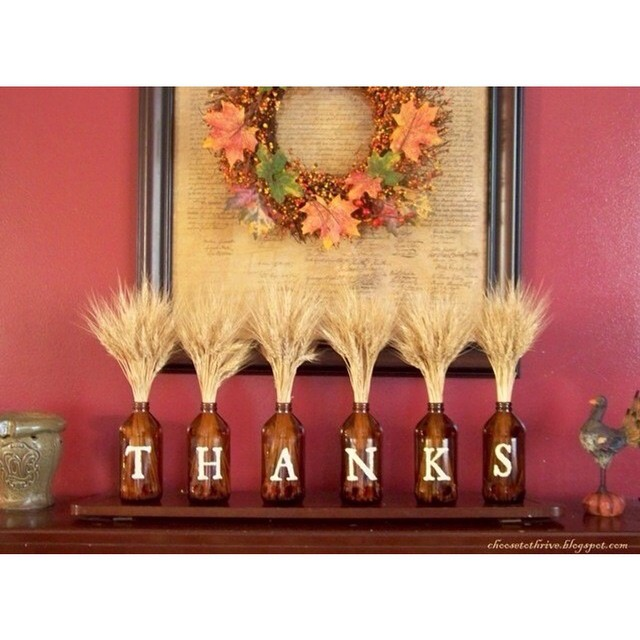 There is one week left until Thanksgiving! Decorate your mantel with a trendy and easy craft!
