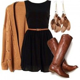 pairing brown and black for a Thanksgiving outfit