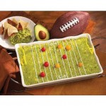 Happy Friday! It's Super Bowl time! I love this themed quacamole dip from www.m.desertnews.com