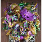 Make your own DIY Mardi Gras wreath from publicwallpapers.org