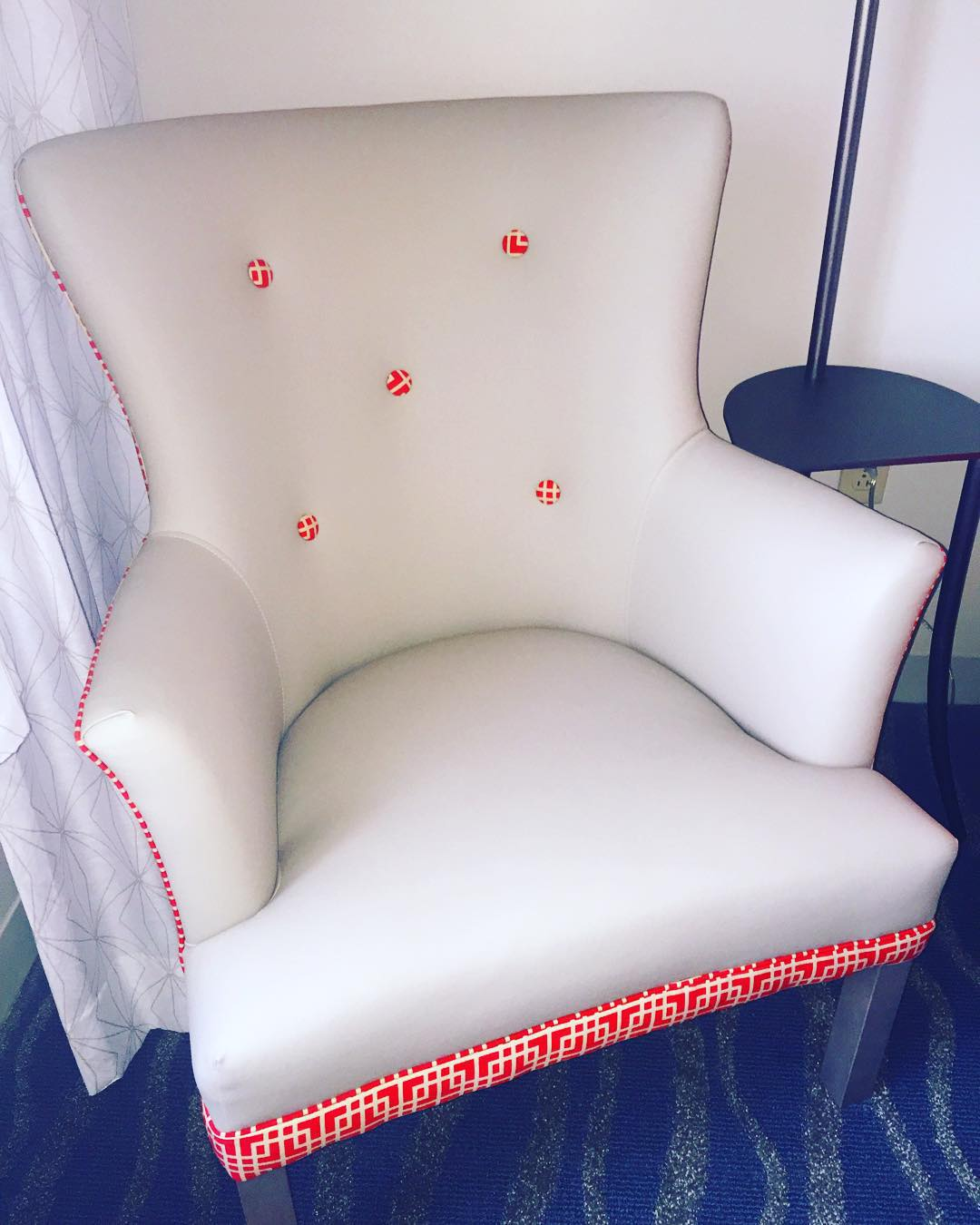 I am in love with this fabulous chair inside my room at Hotel Breakers ❤️