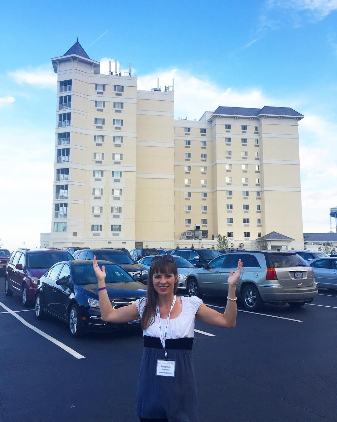I love everything about #HotelBreakers at @cedarpoint for @bloggycon 💙