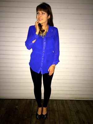 Royal Blue and gold accessories make for a comfortable and stylish outfit.