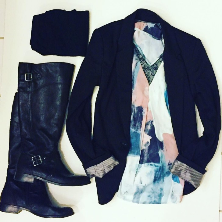 This is one of my favorite workstyle outfits! Leggings, rider boots, a cuffed blazer and a pastel blouse.