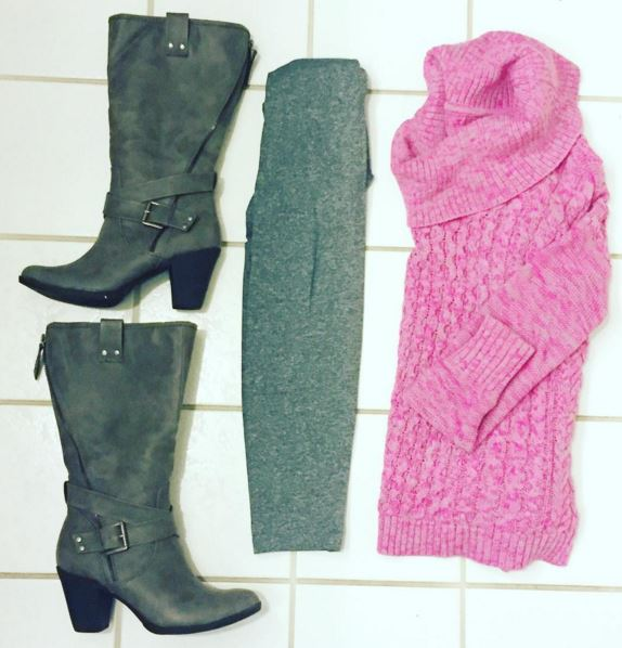 Over-sized sweaters fit perfectly with leggings and heel boots💕