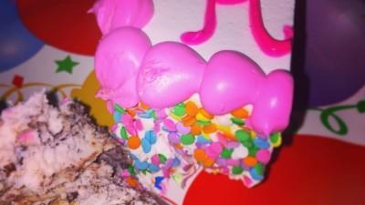 Confetti cake!🎂 #pinkofcourse