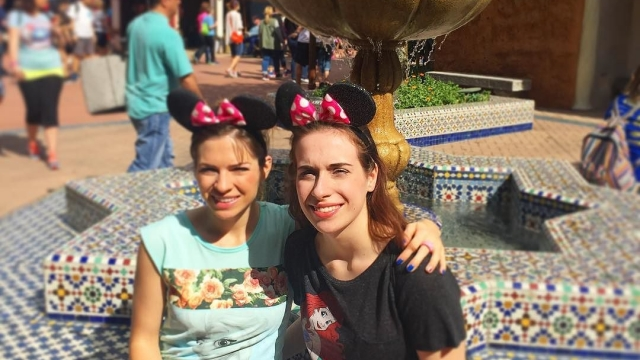 Enjoying the sun in our eyes and the Moroccan fountain ⛲️