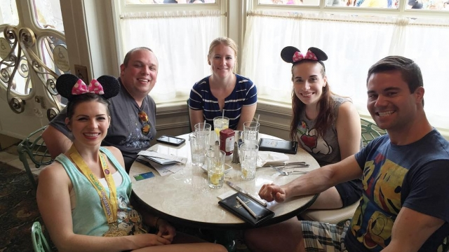 Sibling lunch at the Plaza Restaurant! 🍽