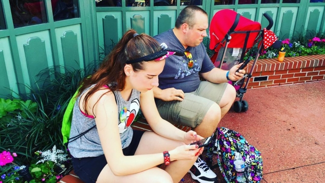 When you are waiting for your reservations you schedule your next fast pass!👌🏼