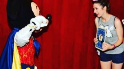 Playing magic tricks with Mickey 😍