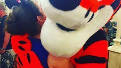 Tigger hugs 😍