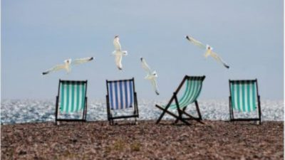 Costly Errors That Stupid People Make When They Go On Holiday – So You Know To Avoid Them!