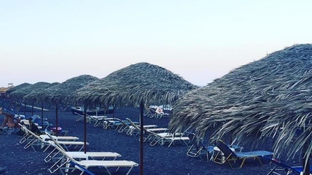 Kamari Beach 🏖