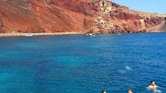 Swimming at Red Beach 🏊🏼