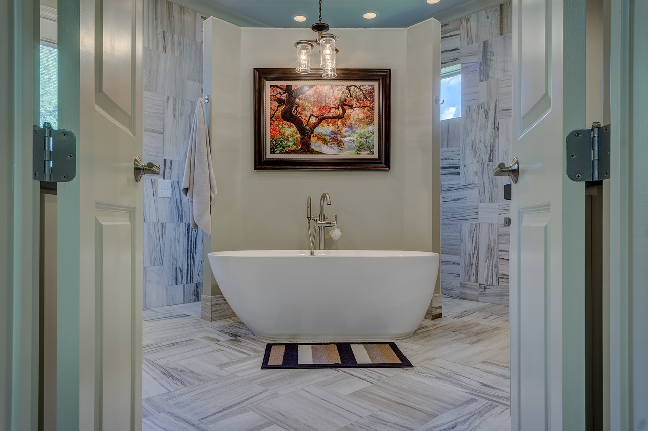 porcelain bathroom tub
