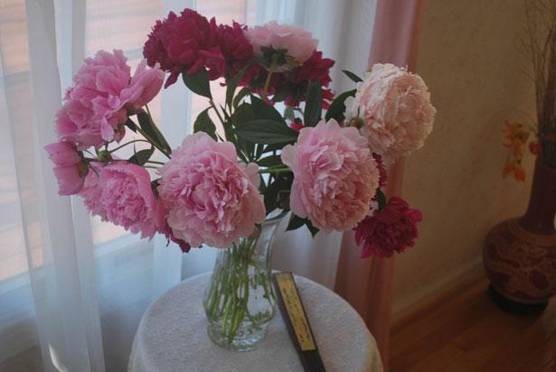 flowers bedroom transformation