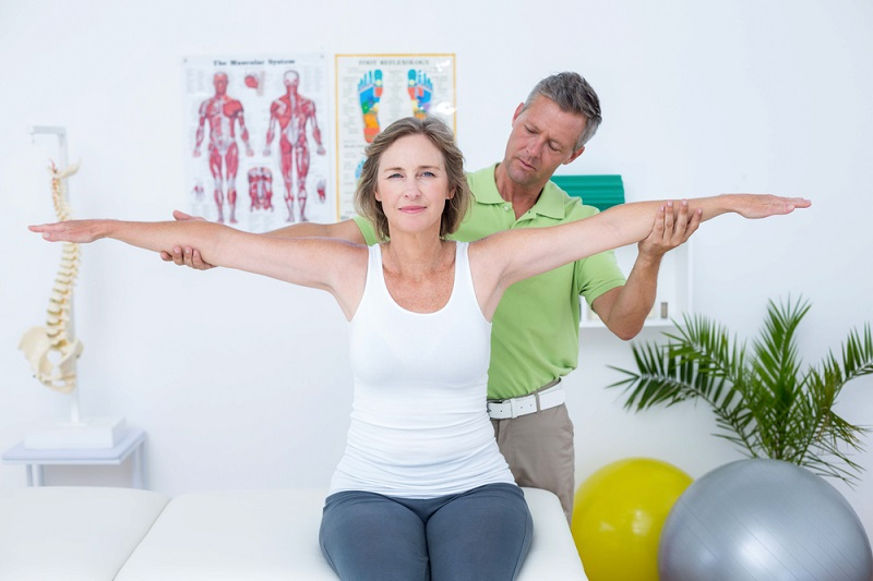 physiotherapy clinics side raises