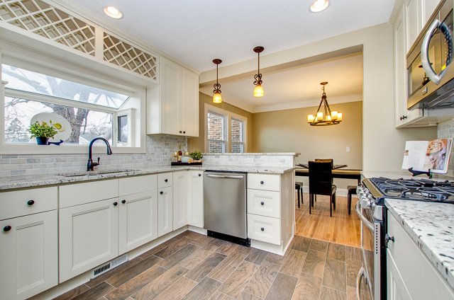 Top 3 Reasons to Choose Walnut Cabinets for Your Kitchen