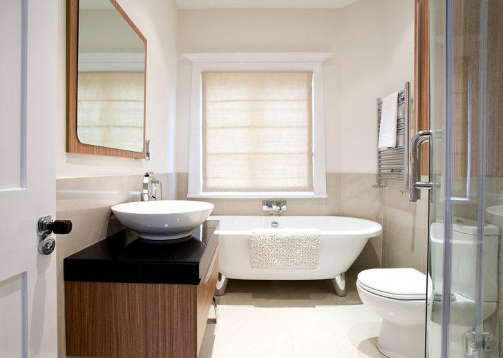 bathroom spa tub in corner