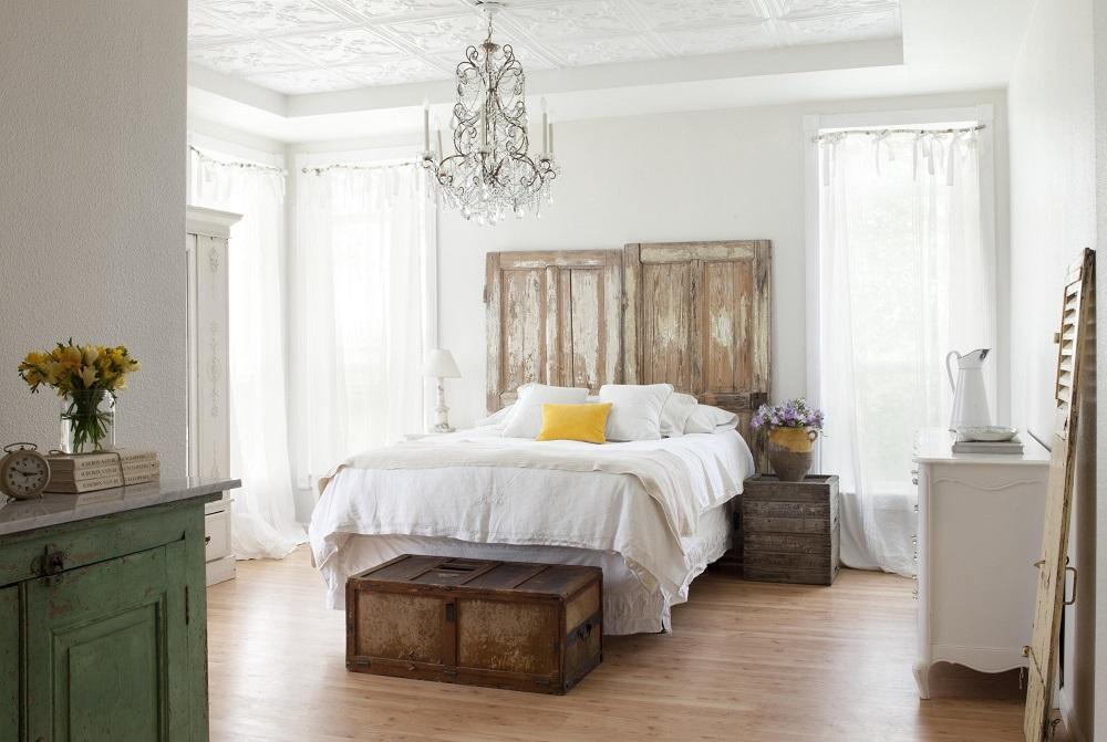 Vintage Home Decor bedroom