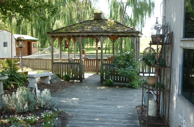 Green landscaping gazebo dock