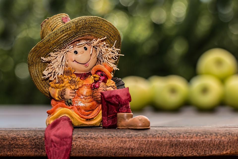 Organic Garden scarecrow gnome