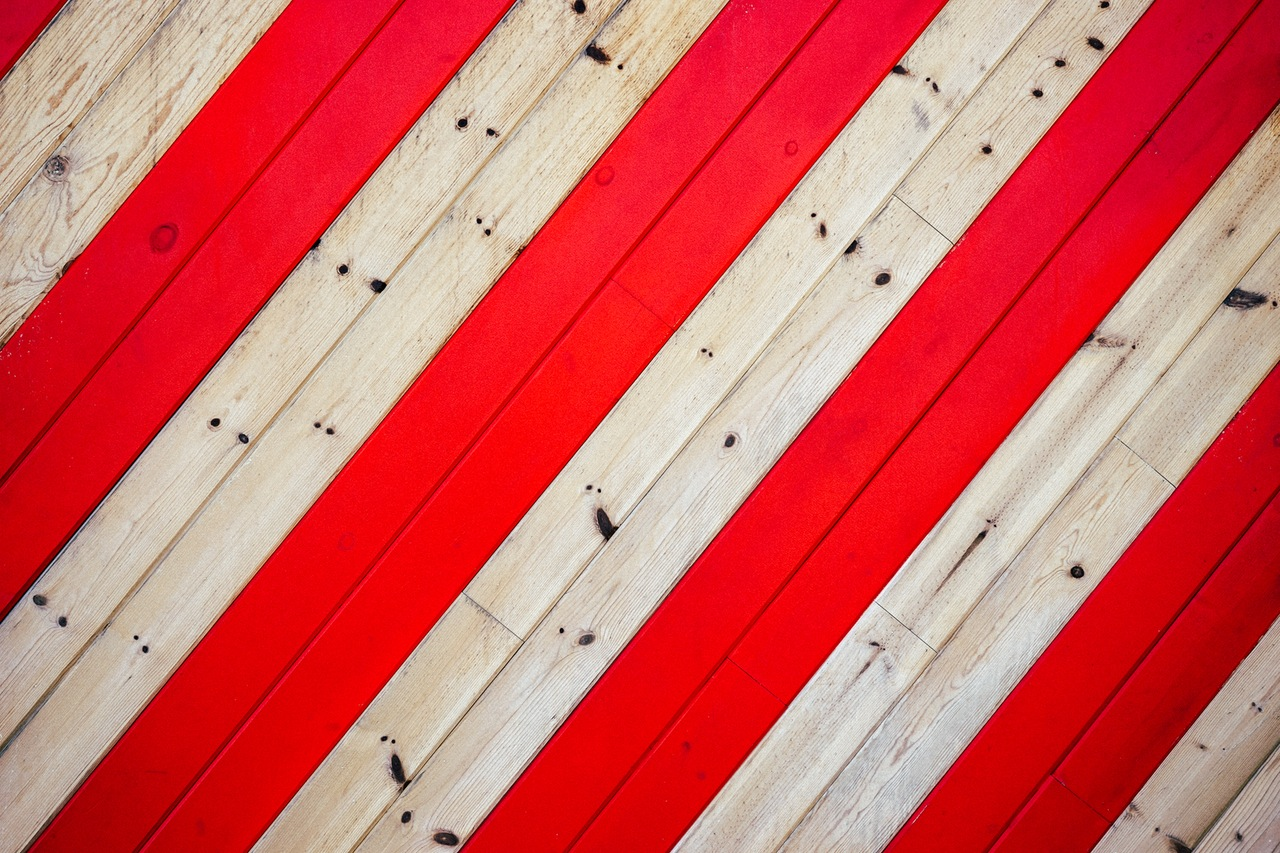 Canvas red and white striped