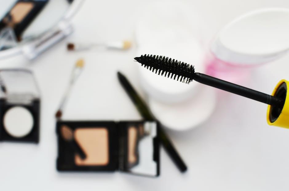 life in order mascara make-up applied