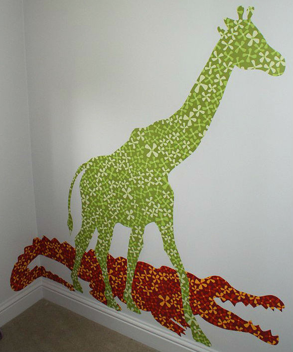 Reading Corner giraffe on childs wall