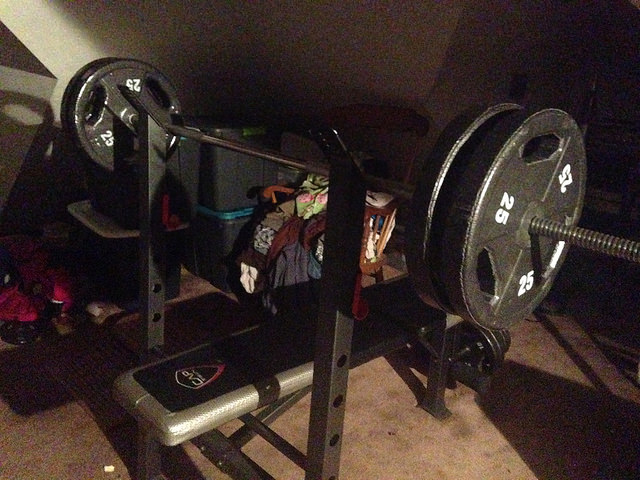 Home Gym bench press with weights