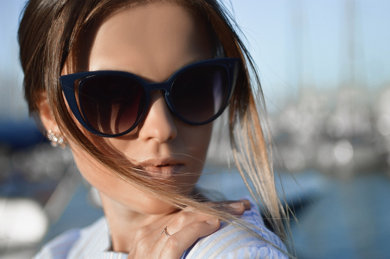 style woman with shade glasses