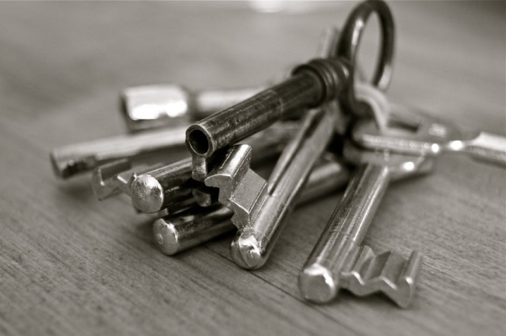 Housewarming keys and gift set