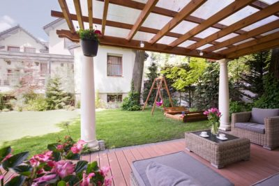 Why Hiring Pergola Builders Can Save You from Pergola Building Mistakes?