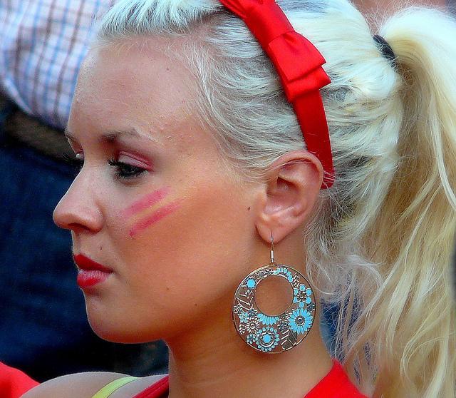 Wardrobe woman face paint