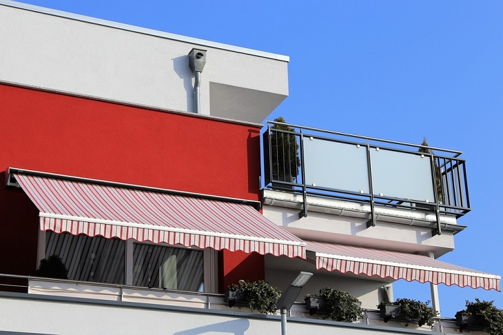 red Retractable Awnings
