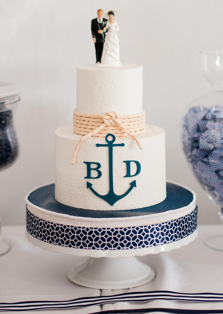 Wedding nautical cake theme