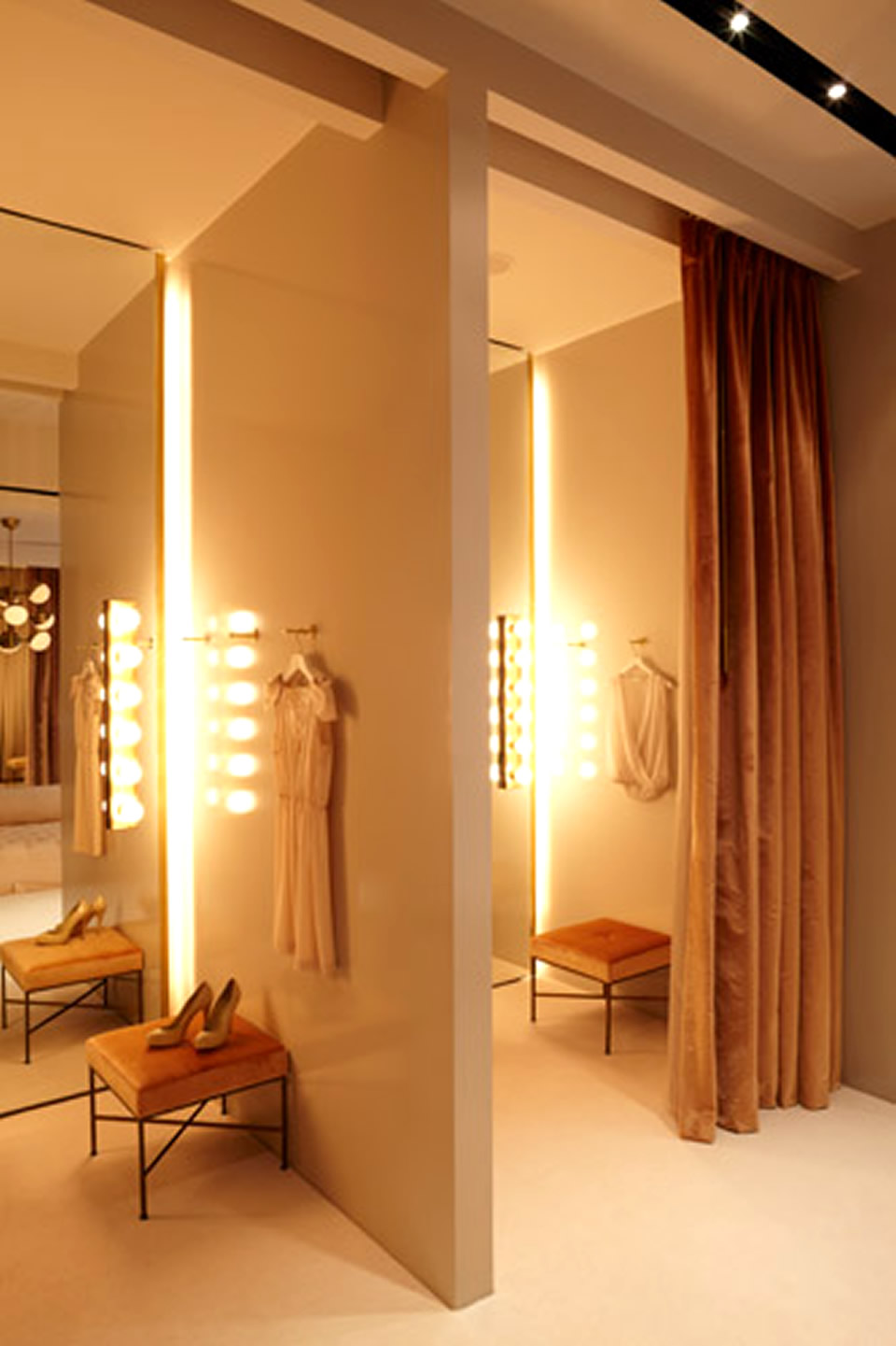 Fitting Room Designs For Retail: Crying In The Dressing Room: Tips To Build A Perfect