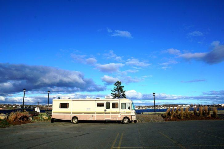 Caravan motor home large